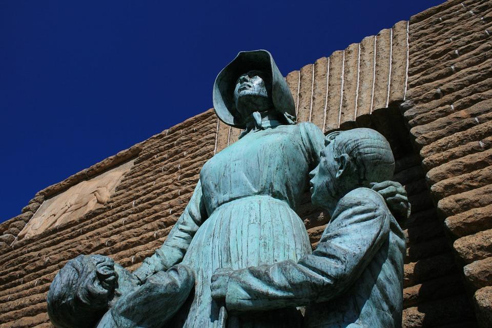 pioneer statue 438115 960 720 - Pionierinnen im Porträt
